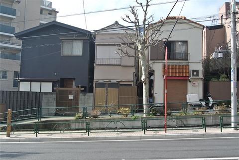 tokyo3833s.JPG